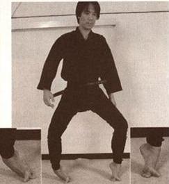 один из ныне здравствующих мастеров Кога рю, Киёмото-сэнсэй, демонстрирует базовое упражнение для развития данного навыка…